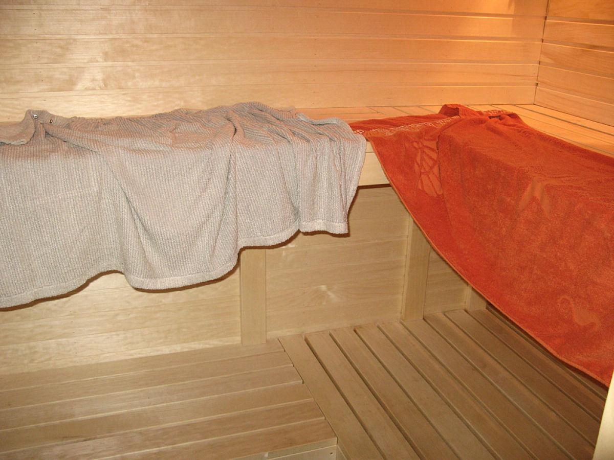 ferienhaus doppelhaush lfte saaremaa insel saaremaa frau annette finck r ssger. Black Bedroom Furniture Sets. Home Design Ideas