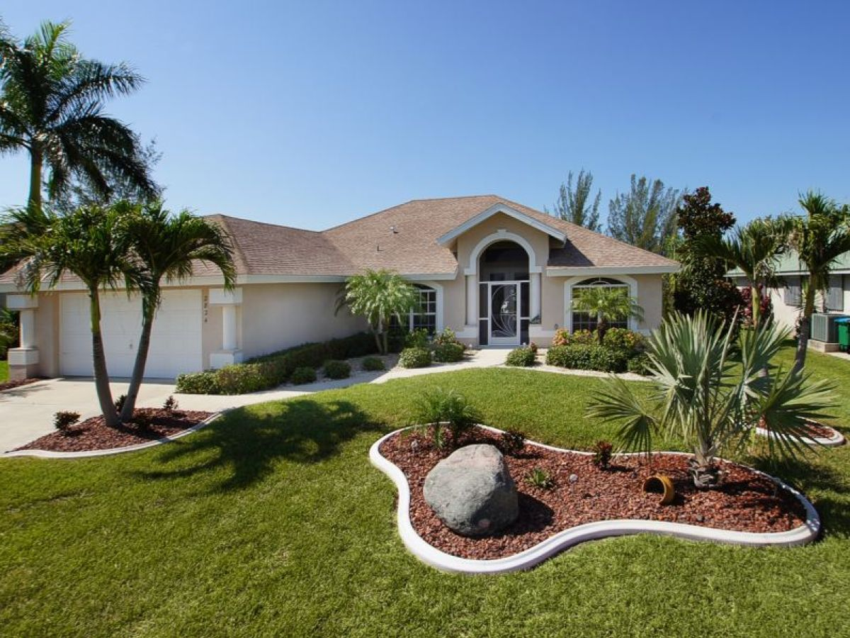Villa Miami, Cape Coral in SW Florida am Golf von Mexiko - Frau ...