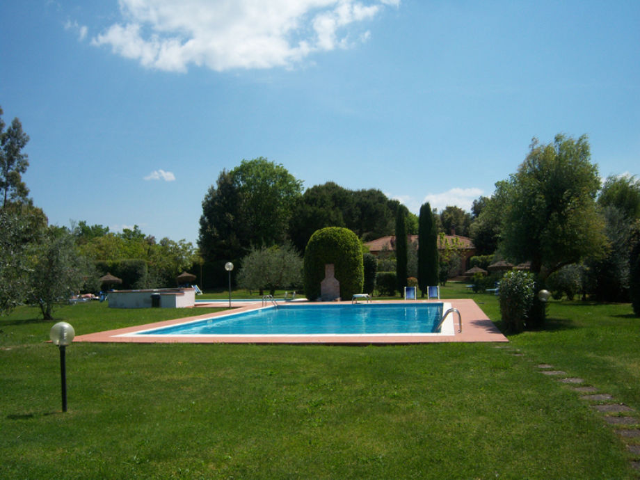 Pool (16m x 8m)