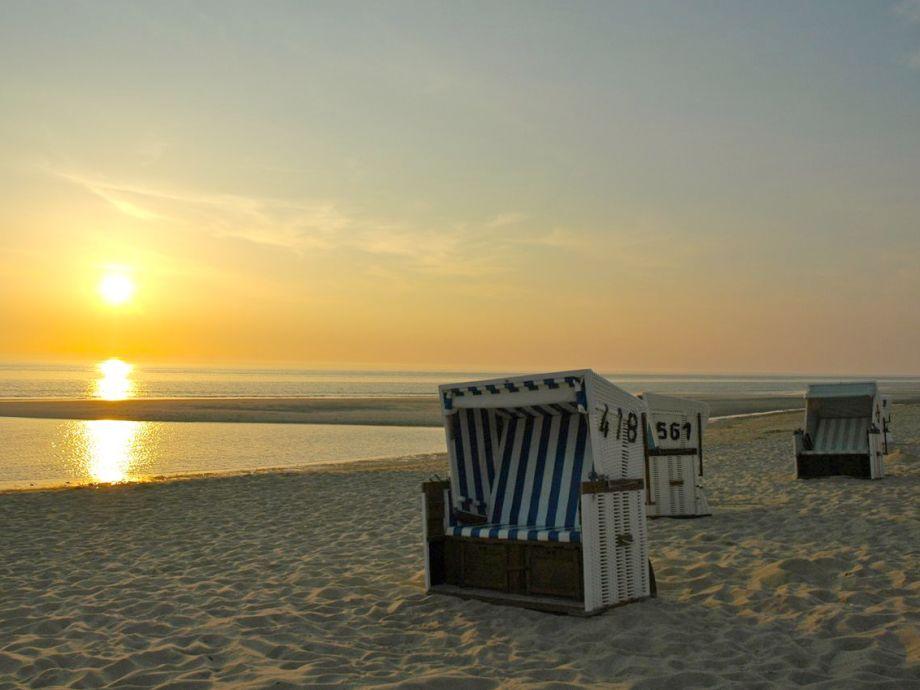 2017 Strandkorb Sonnenuntergang