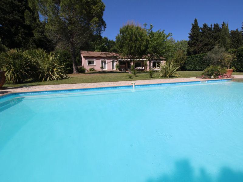 Holiday house 0326 Les Cigales, 8P. St-Etienne-du-Grès, Bouches-