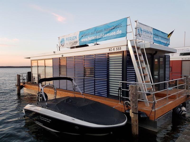 House boat Ferien auf dem See