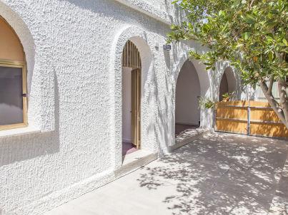 Villa Kareema sx