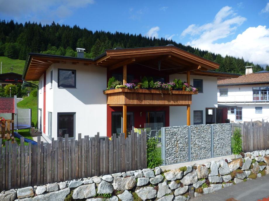 Haus Wallner im Sommer