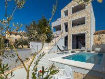 Villa Villa Lovor