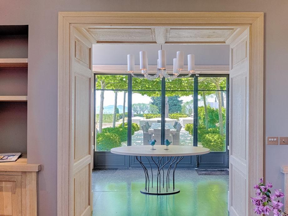 villa les moines s dfrankreich mougins firma cote d 39 azur villa rentals firma angela swedlund. Black Bedroom Furniture Sets. Home Design Ideas