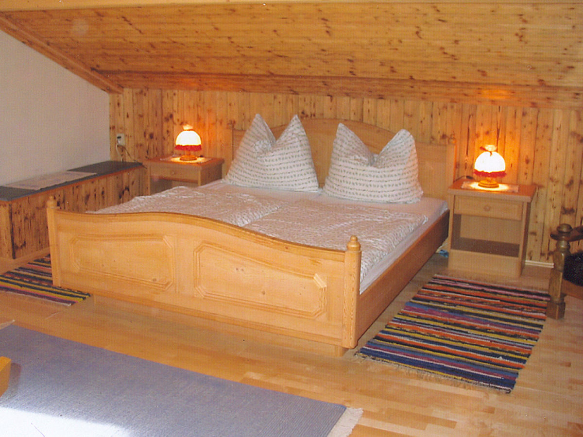 Gem?tliche Atmosph?re Schlafzimmer : Im Haus erwartet Sie eine ...