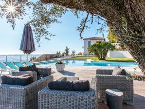 Villa Lunaire