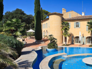 Holiday apartment Chateau des Maures