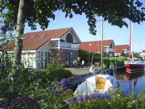 Ferienhaus Wasservilla It Soal