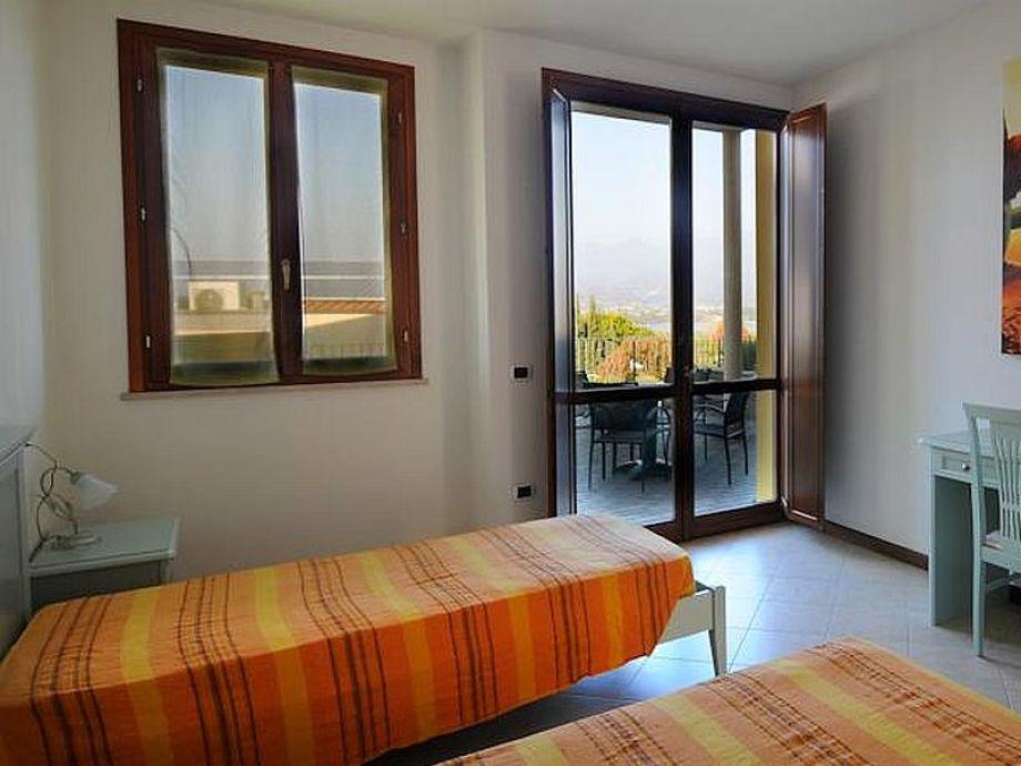 manerba residence le farfalle 8 ferienwohnung vanessa gardasee italien lombardei gardasee. Black Bedroom Furniture Sets. Home Design Ideas