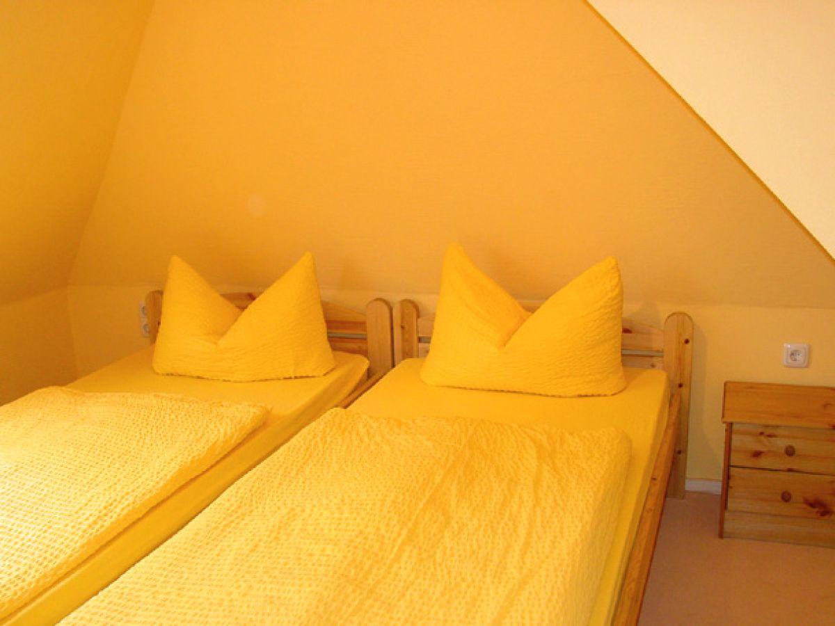 ferienwohnung 3 in der schulstr 11 ostsee fischland dar zingst firma wiecker. Black Bedroom Furniture Sets. Home Design Ideas
