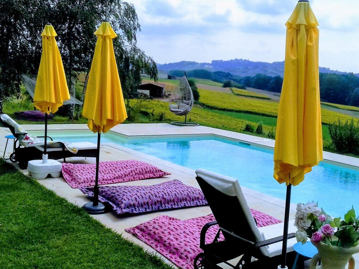 Wunderbar Pool Salzwasser Referenz Von Mit Panoramablick In Die Landschaft