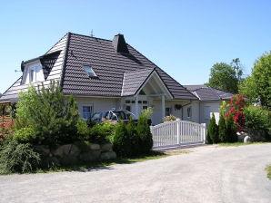 Bungalow Im Garten Nahe Ostseebad Warnemünde
