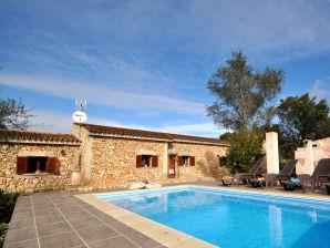 Villa Can Barrera