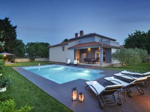 Villa Entini