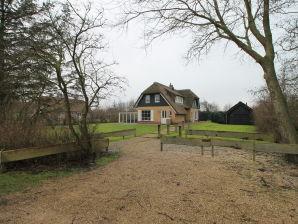 Villa De Heideparel