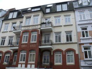 Ferienwohnung Zentrale 3 Zimmer Whg mit Balkon