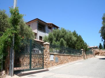 Ferienwohnung Villa Juniper - Apartment 200m from the beach