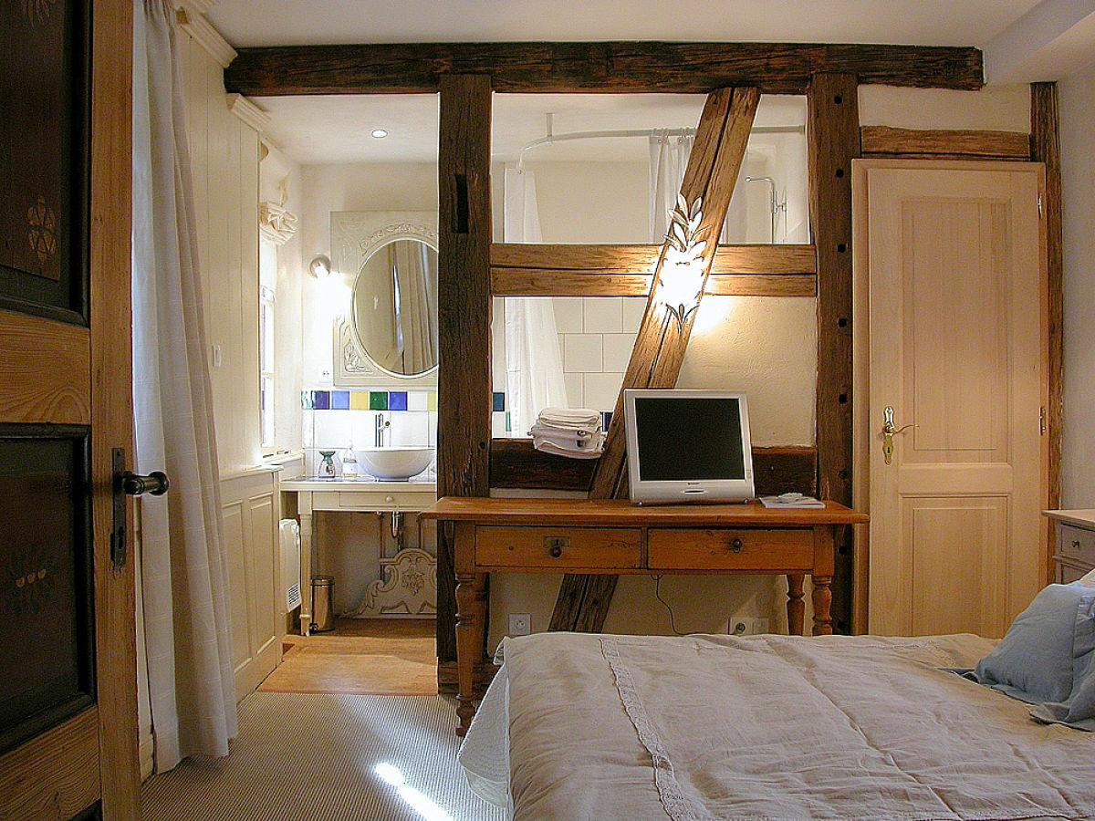 ferienhaus das taubenhaus in der stadtmauer riquewihr bei. Black Bedroom Furniture Sets. Home Design Ideas