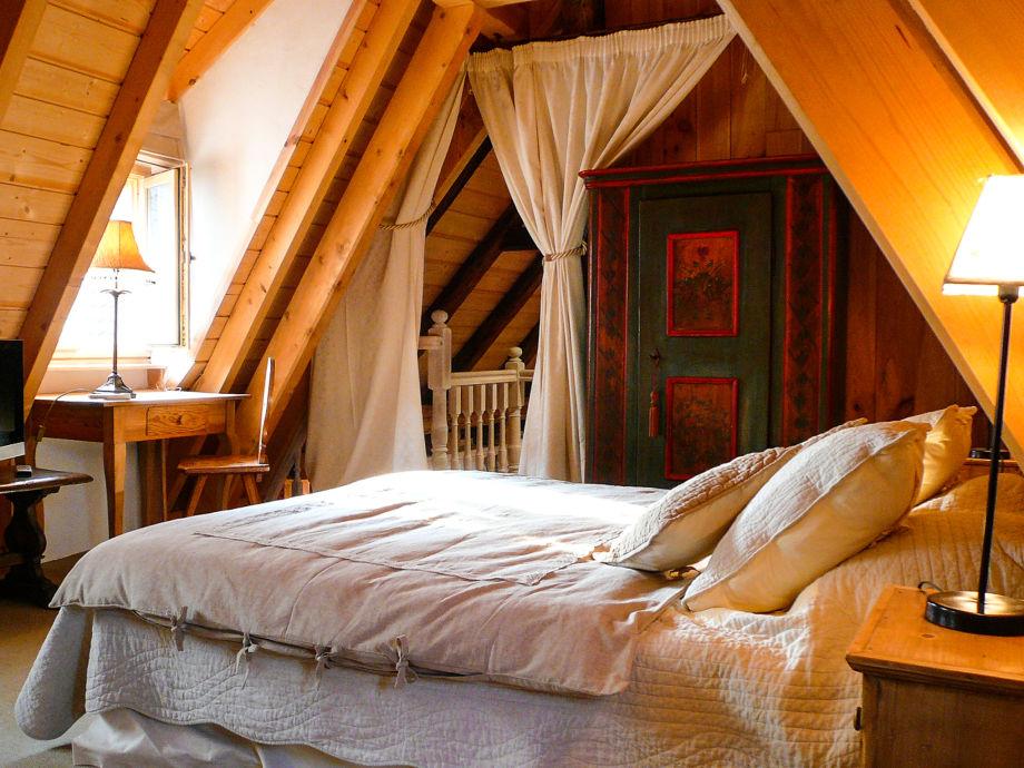 Schlafzimmer 1 mit 180x200 Cm Kingsizebett