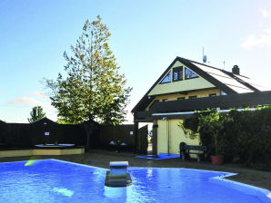 Holiday apartment Am Schwimmbad F997