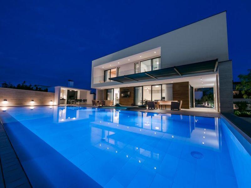Ferienhaus fünf Sterne Luxus mit Pool