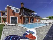 Ferienhaus Haus mit Pool