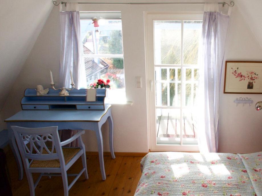 Kleines Haus   Schlafzimmer Mit Schreibtisch