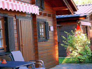 Camping im Ferienhaus am Luckower See