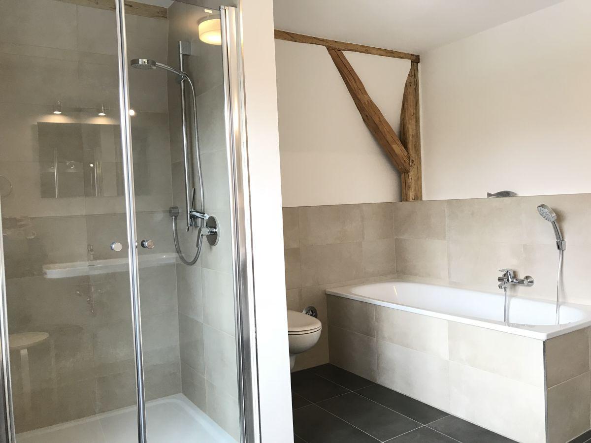 Ferienwohnung kappelner aussichten fwkg2 ostsee schlei for Badezimmer mit dusche und wanne