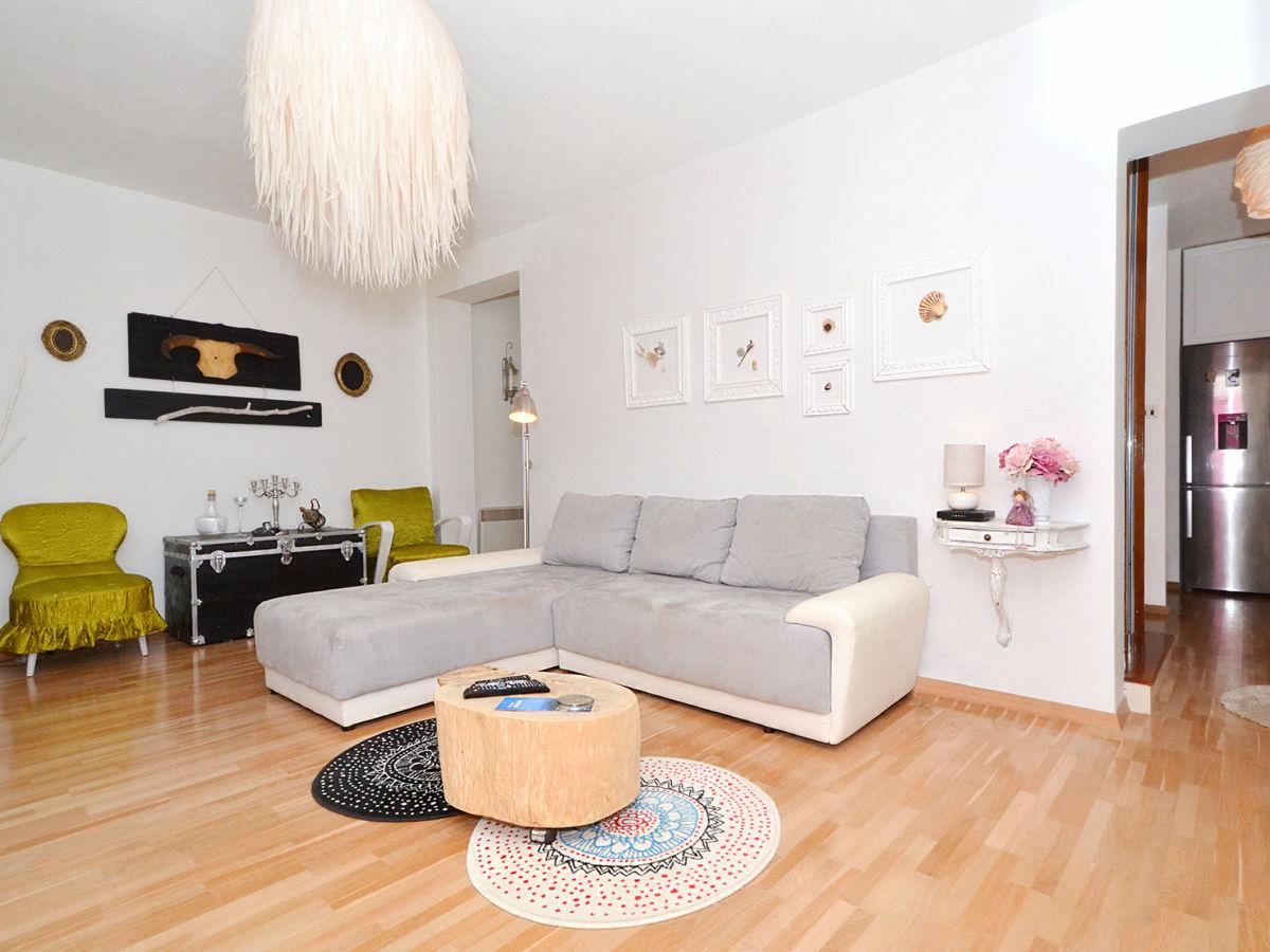 designer villa buble trogir dalmatien kroatien frau mirjana sinovcic. Black Bedroom Furniture Sets. Home Design Ideas