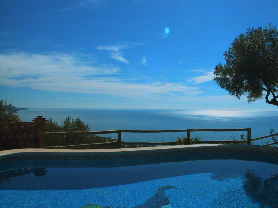 Pool, spektakulärer Meeresblick