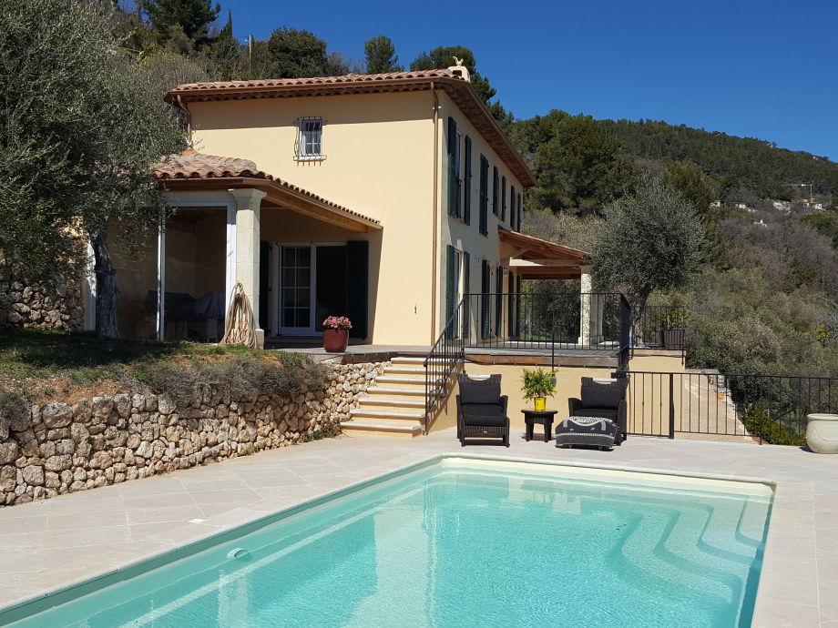 Villa Fontaine mit Meerblick auf Bucht von Cannes