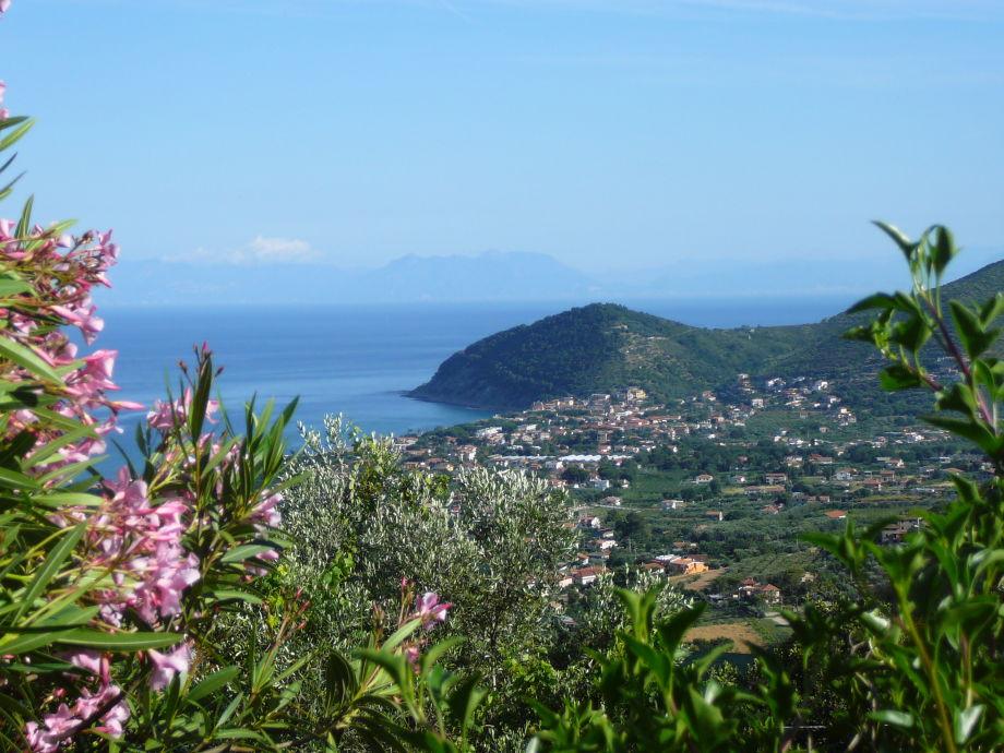 Blick nach Santa Maria di Castellabate