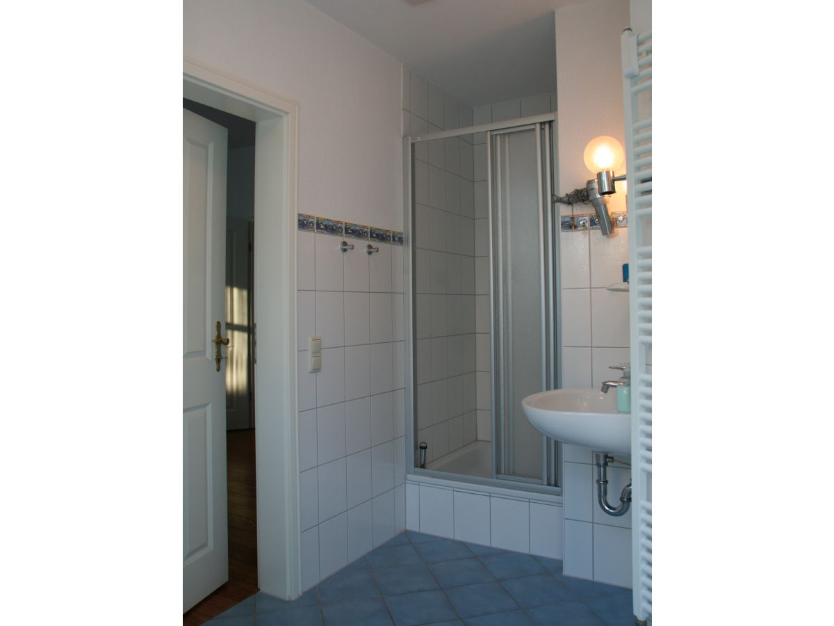 ferienwohnung drei linden wustrow frau katrin fischer. Black Bedroom Furniture Sets. Home Design Ideas