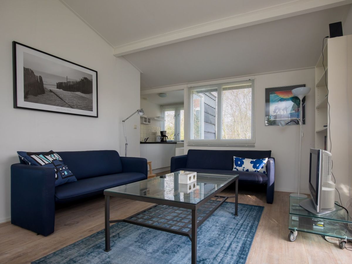 ferienhaus paardenbos 13 burgh haamstede firma sorglos urlaub in zeeland. Black Bedroom Furniture Sets. Home Design Ideas