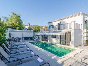 Villa Fantastic