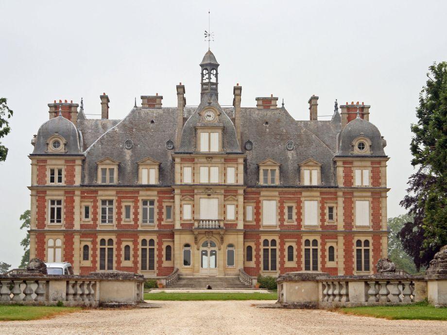 Außenaufnahme Château de la Trousse