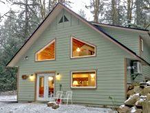 Holiday house Cabin #2 – HOT TUB, BBQ, A/C, SLEEPS-10!