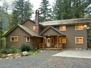 Holiday house Cabin #3 – 12-BDRM, 3.5-BATH, SLEEPS-26!