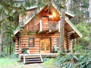 Holiday apartment Cabin #10 – REAL LOG CABIN, SLEEPS-8!
