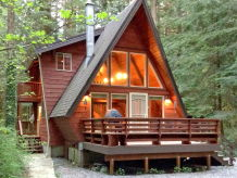 Holiday house Cabin #15 – HOT TUB, BBQ, PETS OK, SLEEPS-4!