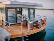 Hausboot Calanthe