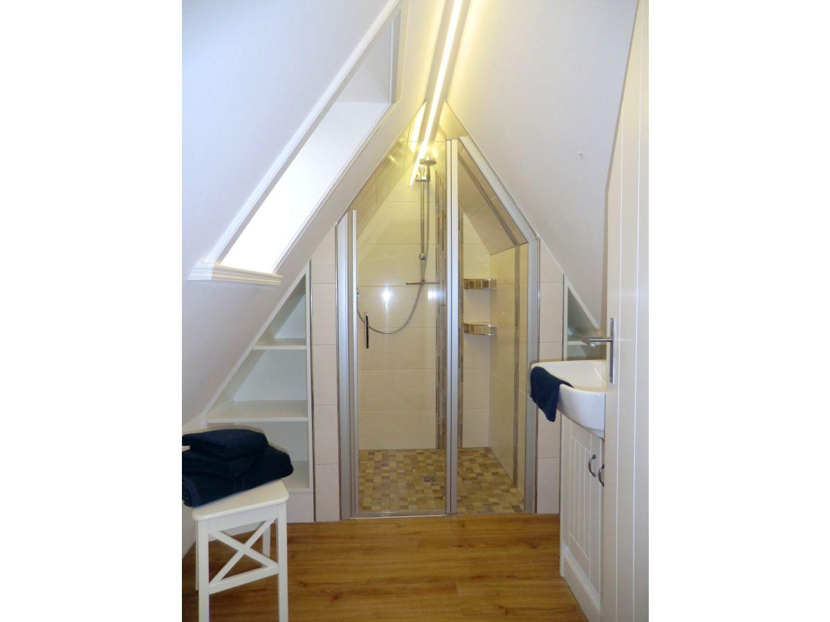 Ferienwohnung objekt 21 nieblum firma urlaub pur gmbh for Dusche dachgeschoss
