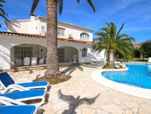 Ferienhaus Villa Almadrava BG