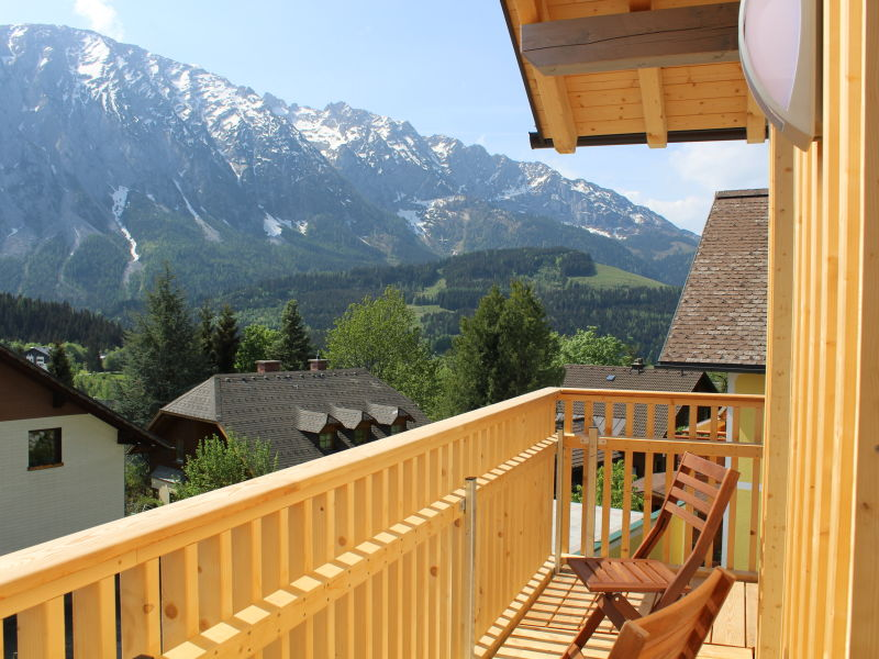 Alpine Apartment Top 1 by AA Holiday Homes