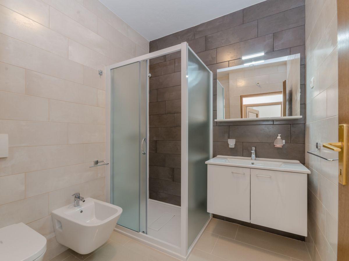 ferienwohnung radovic nives vir firma adela travel j d o o adela turkovic. Black Bedroom Furniture Sets. Home Design Ideas