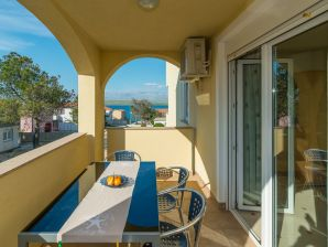 Holiday apartment Partelj 6
