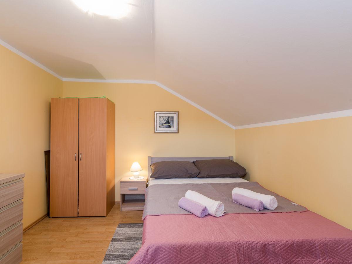ferienwohnung hojsak vesna vir firma adela travel j d o o adela turkovic. Black Bedroom Furniture Sets. Home Design Ideas